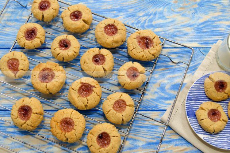 Печенье с арахисовой пастой и джемом